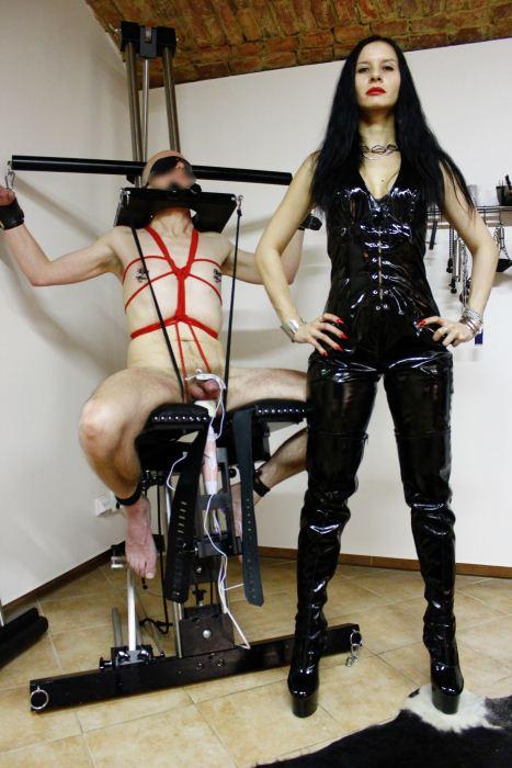 BDSM-Madam-Laura