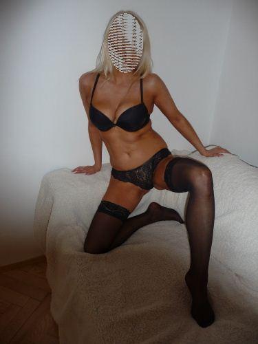 Dívka Monika z erotického privátu Privat HK, Hradec Králové