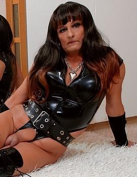 trans  slečna Sylvie